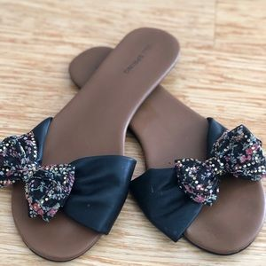 Call it SRING flat sandals